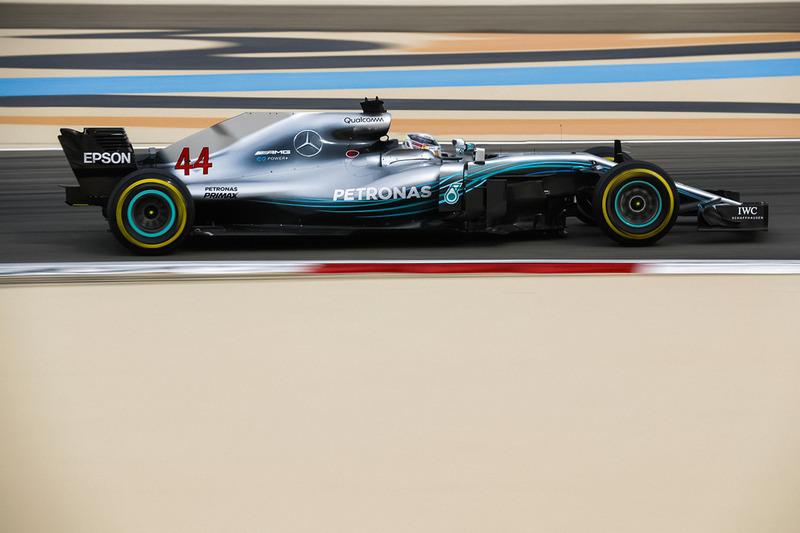 Mercedes W09 halosuz