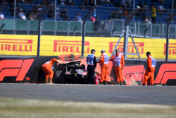 Brendon Hartley, Scuderia Toro Rosso STR13 after the crash