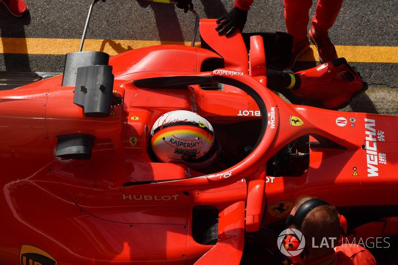 Sebastian Vettel, Ferrari SF71H con los espejos en el Halo