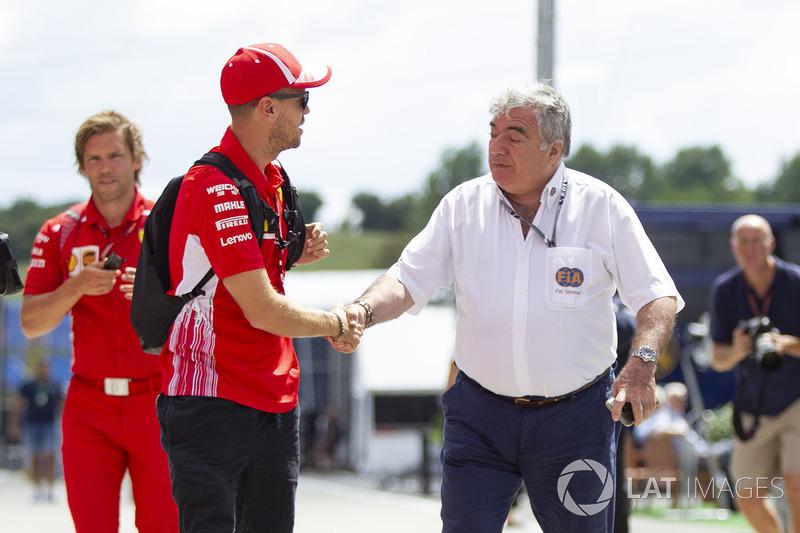 Sebastian Vettel, Ferrari Y Enzo Spano, FIA Steward