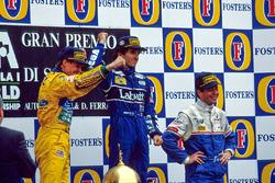 Podio: il vincitore della gara Alain Prost, il secondo classificato Michael Schumacher, il terzo classificato Martin Brundle