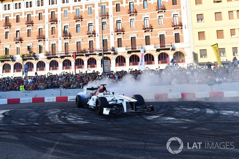 Charles Leclerc, Sauber burnout