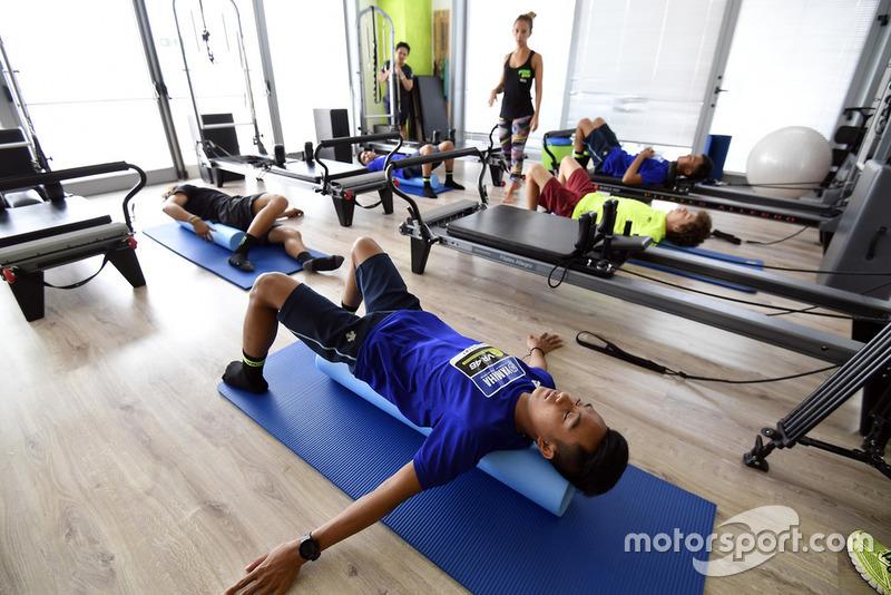 Faeroz berlatih fisio gym
