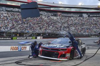 William Byron, Hendrick Motorsports, Chevrolet Camaro Liberty University, makes a pit stop.