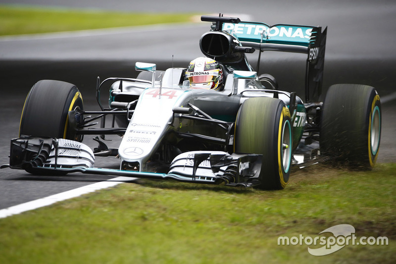 Lewis Hamilton, Mercedes AMG F1 W07 Hybrid runs out