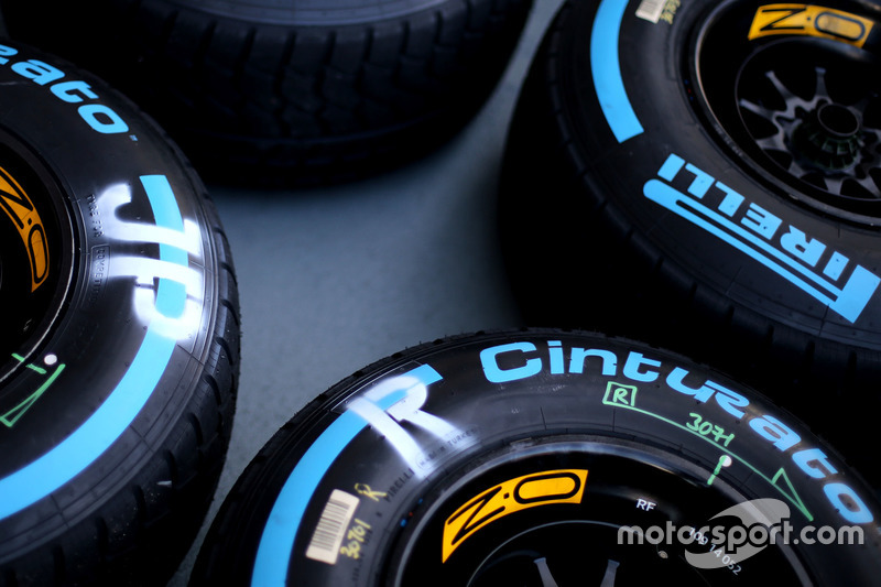 Pirelli tyres, Jolyon Palmer, Renault Sport F1 Team