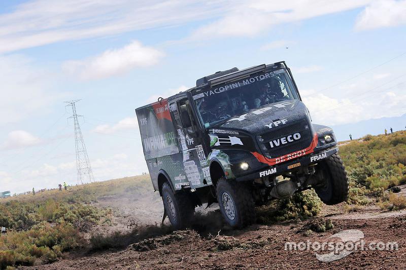 #502 Team De Rooy Iveco: Federico Villagra, Adrian Yacopini, Ricardo Torlaschi