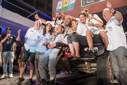 #352 BMW: Philippe Croizon, Cedric Duple with the team