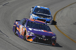 Denny Hamlin, Joe Gibbs Racing Toyota, Ryan Newman, Richard Childress Racing Chevrolet
