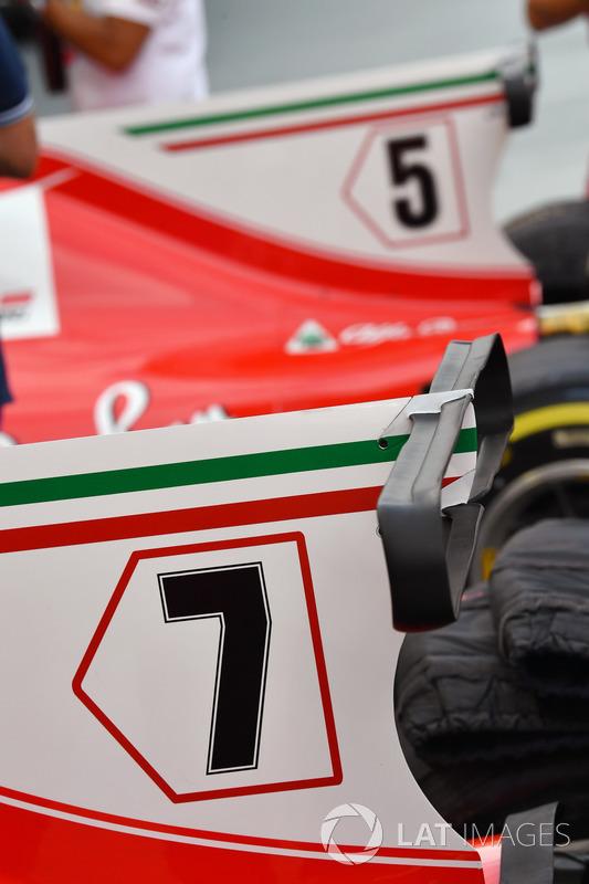 Ferrari SF70H, Motorabdeckung, Finne mit T-Flügel
