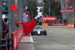 Felipe Massa, Williams FW40 and Marshal waves a red flag
