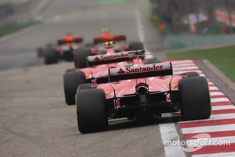 Max Verstappen, Red Bull Racing RB13; Kimi Räikkönen, Ferrari SF70H, and Sebastian Vettel, Ferrari SF70H