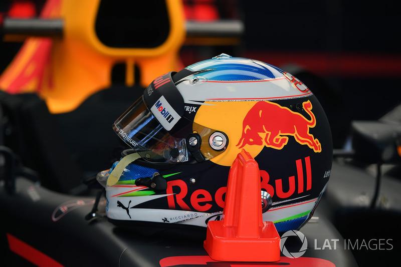 The helmet of Daniel Ricciardo, Red Bull Racing RB13
