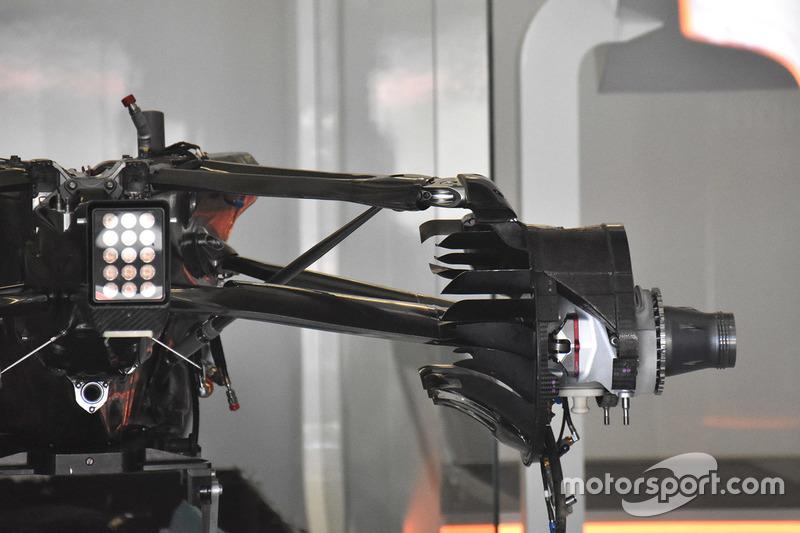 McLaren MCL32: Hinterradbremse