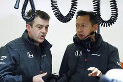 Yusuke Hasegawa, Honda Senior Managing plática con sus colegas