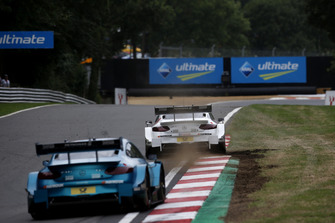 Paul Di Resta, Mercedes-AMG Team HWA, Mercedes-AMG C63 DTM leads Paul Di Resta, Mercedes-AMG Team HWA, Mercedes-AMG C63 DTM