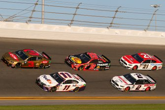 Denny Hamlin, Joe Gibbs Racing, Toyota Camry FedEx Express, Austin Dillon, Richard Childress Racing, Chevrolet Camaro Dow