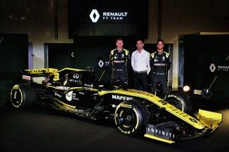Daniel Ricciardo, Renault Sport F1 Team, Nico Hulkenberg, Renault Sport F1 Team, Cyril Abiteboul, Renault Sport F1 Managing Director