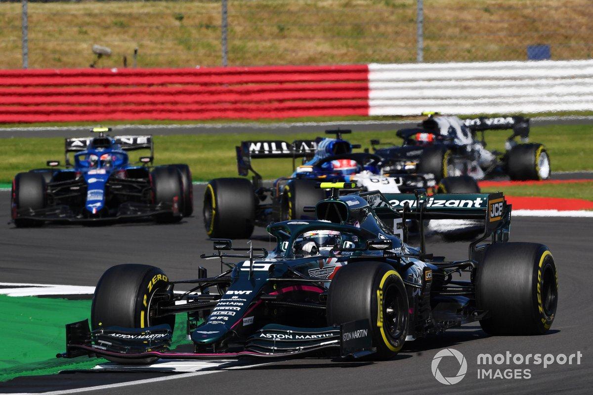 Sebastian Vettel, Aston Martin AMR21, George Russell, Williams FW43B, and Esteban Ocon, Alpine A521