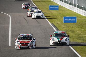 Aurélien Comte, DG Sport Competition Peugeot 308TCR, Kevin Ceccon, Team Mulsanne Alfa Romeo Giulietta TCR