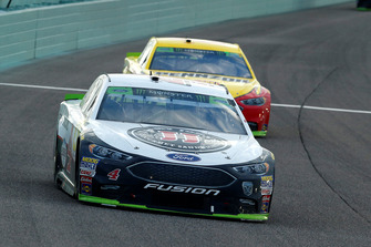 Kevin Harvick, Stewart-Haas Racing, Ford Fusion Jimmy John's and Joey Logano, Team Penske, Ford Fusion Shell Pennzoil