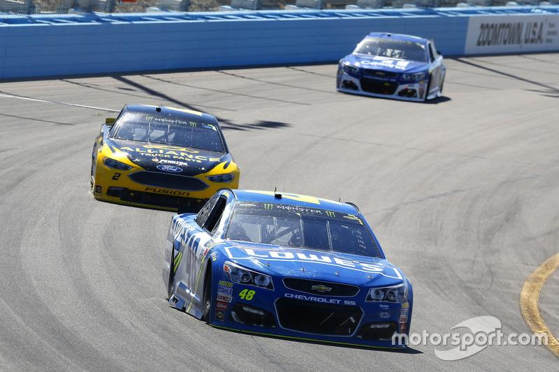 Jimmie Johnson, Hendrick Motorsports, Chevrolet; Brad Keselowski, Team Penske, Ford