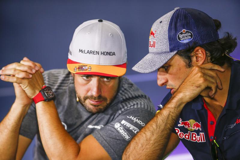 Fernando Alonso, McLaren, Carlos Sainz Jr., Scuderia Toro Rosso, in the press conference