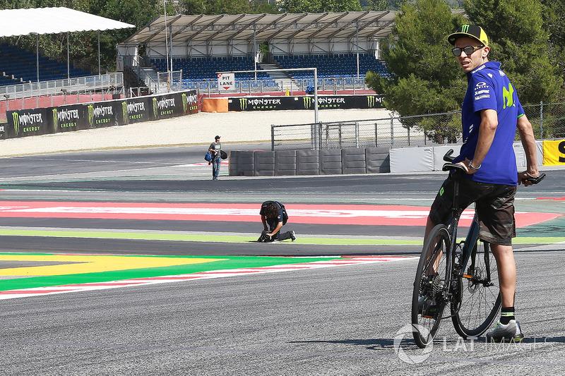 Valentino Rossi, Yamaha Factory Racing en la nueva curva 13