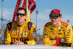 Kyle Busch, Joe Gibbs Racing Toyota, Joey Logano, Team Penske Ford