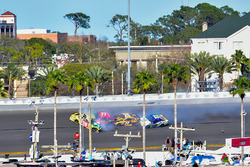 Kyle Busch, Joe Gibbs Racing Toyota, Erik Jones, Furniture Row Racing Toyota, Matt Kenseth, Joe Gibbs Racing Toyota, Ty Dillon, Germain Racing Chevrolet wreck in Turn 3