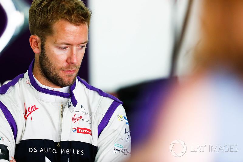"<img src=""https://cdn-7.motorsport.com/static/img/cfp/0/0/0/200/227/s3/united_kingdom-2.jpg"" alt="""" width=""20"" height=""12"" /> #2 Sam Bird, DS Virgin Racing"