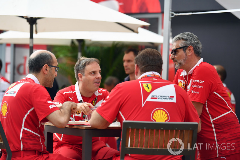 Maurizio Arrivabene, Ferrari Team Principal and Ferrari Engineers