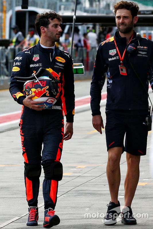 Daniel Ricciardo, Red Bull Racing; Sam Village, Red Bull Racing, Personal Trainer