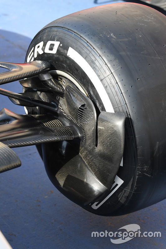 Mercedes-Benz F1 W08 Hybrid front brake duct detail
