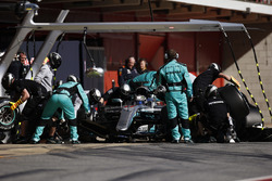 Valtteri Bottas, Mercedes F1 W08, s'arrête aux stands