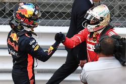 Daniel Ricciardo, Red Bull Racing et Sebastian Vettel, Ferrari