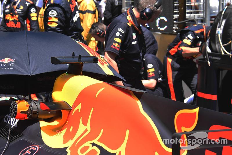 Red Bull Racing RB13, dettaglio della carrozzeria posteriore