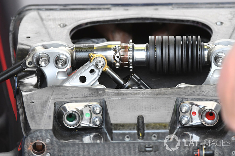 Red Bull Racing RB13 front suspension detail