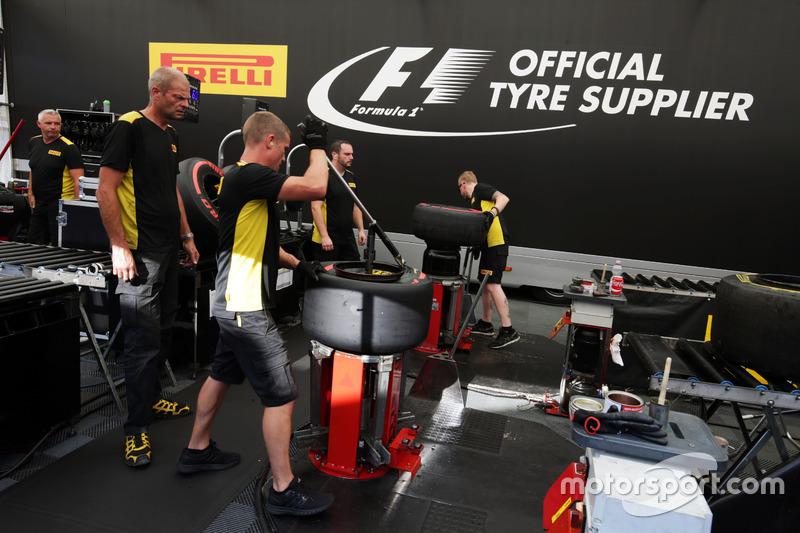 Tecnici pneumatici Pirelli