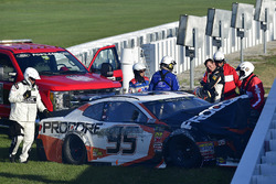 Crash: Kasey Kahne, Leavine Family Racing Chevrolet Camaro