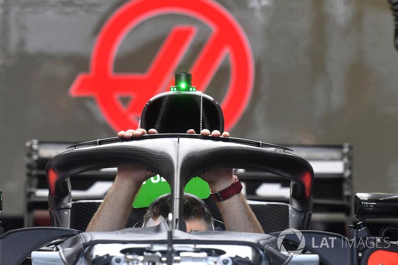 Haas F1 Team VF-18 halo
