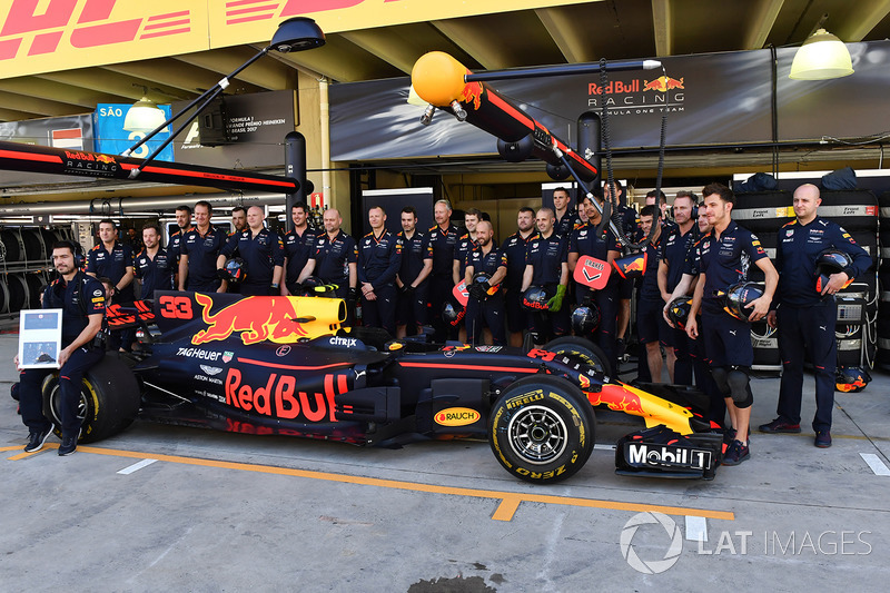 Red Bull Racing group photo