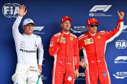 Valtteri Bottas, Mercedes-AMG F1, Sebastian Vettel, Ferrari et Kimi Raikkonen, Ferrari dans le Parc Fermé