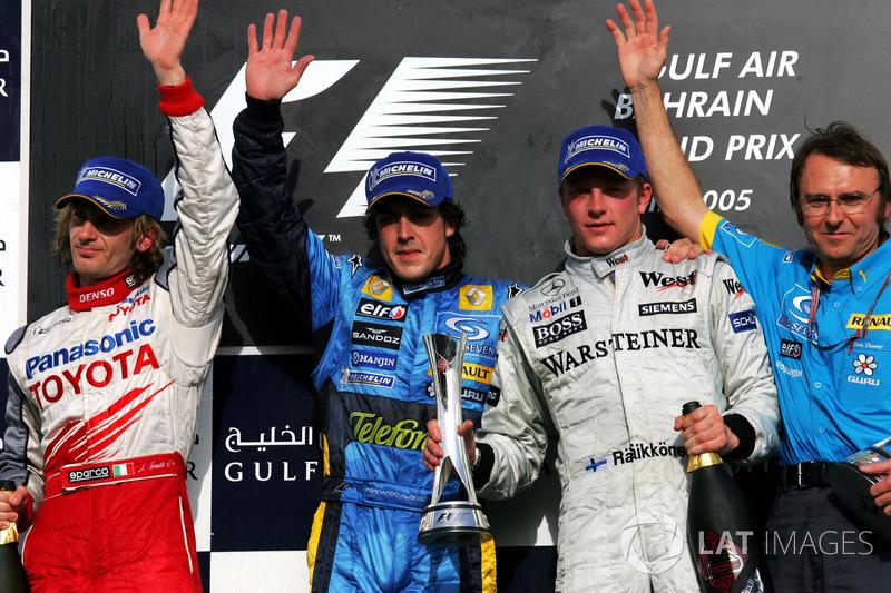Podio: segundo puesto Jarno Trulli Toyota, ganador de la carrera Fernando Alonso, Renault F1, tercer