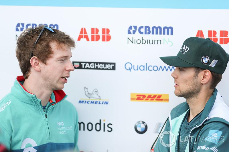 Oliver Turvey, NIO Formula E Team, talks to Tom Blomqvist, Andretti Formula E Team