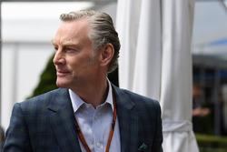 Sean Bratches, Formula 1 Ticari haklar direktörü