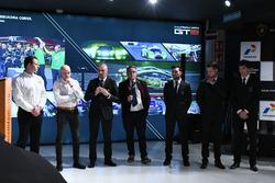 Gottfried Grasser, Armando Donazzan, Giorgio Sanna, Franco Nugnes, and drivers Andrea Caldarelli, Mirko Bortolotti en Christian Engelhart