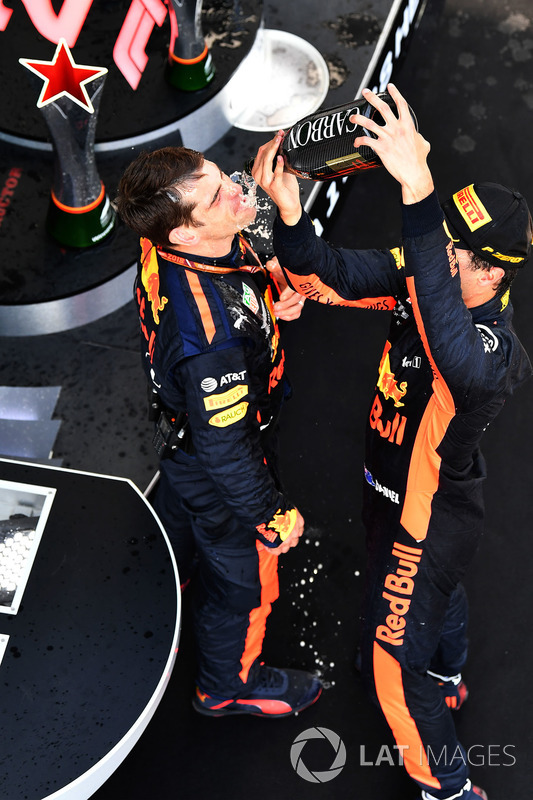 Race winner Daniel Ricciardo, Red Bull Racing celebrates on the podium with the champagne