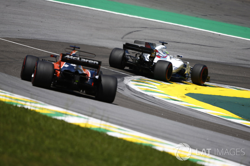 Felipe Massa, Williams FW40, Fernando Alonso, McLaren MCL32