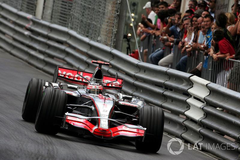 2007: Fernando Alonso, McLaren Mercedes, MP4-22